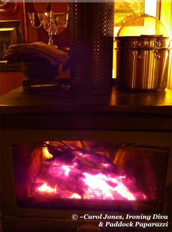 Ironing Diva Metro Pro 068 Wood Burning Stove.  2016 August 08