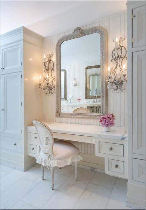 The Dressing Room Of Jennifer Lawrence. Photo Courtesy Of Yahoo.